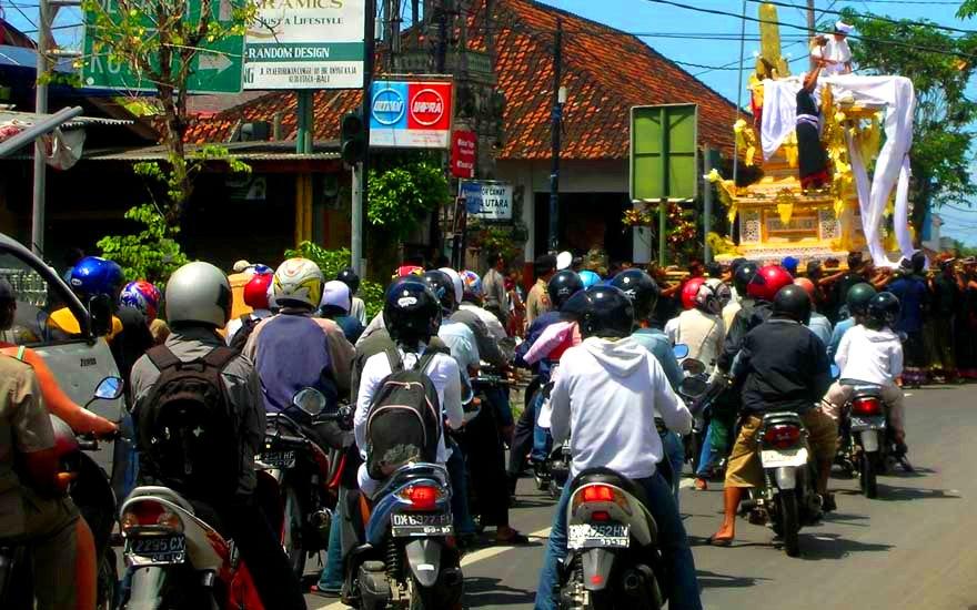 banner-top-cremation-traffic.jpg
