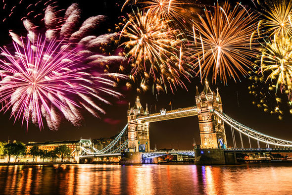 new-years-eve-2016-london-fireworks-768703.jpg