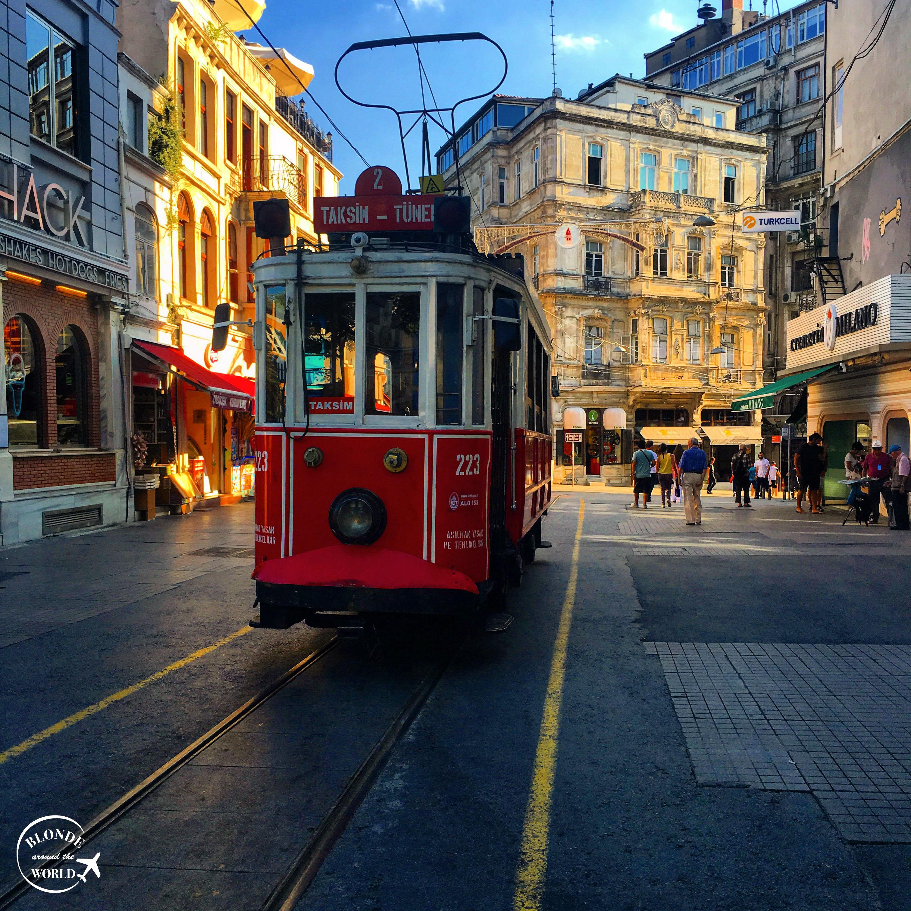 istanbul-istiklal-tram.jpg