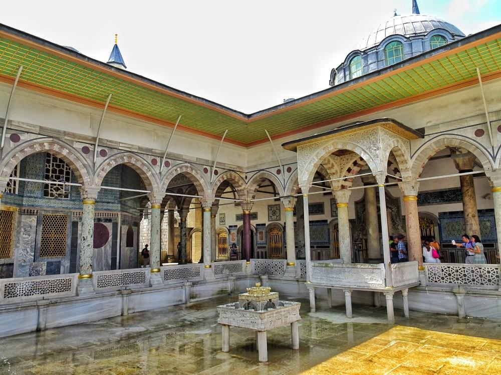 istanbul-Topkapi-Palace.jpg