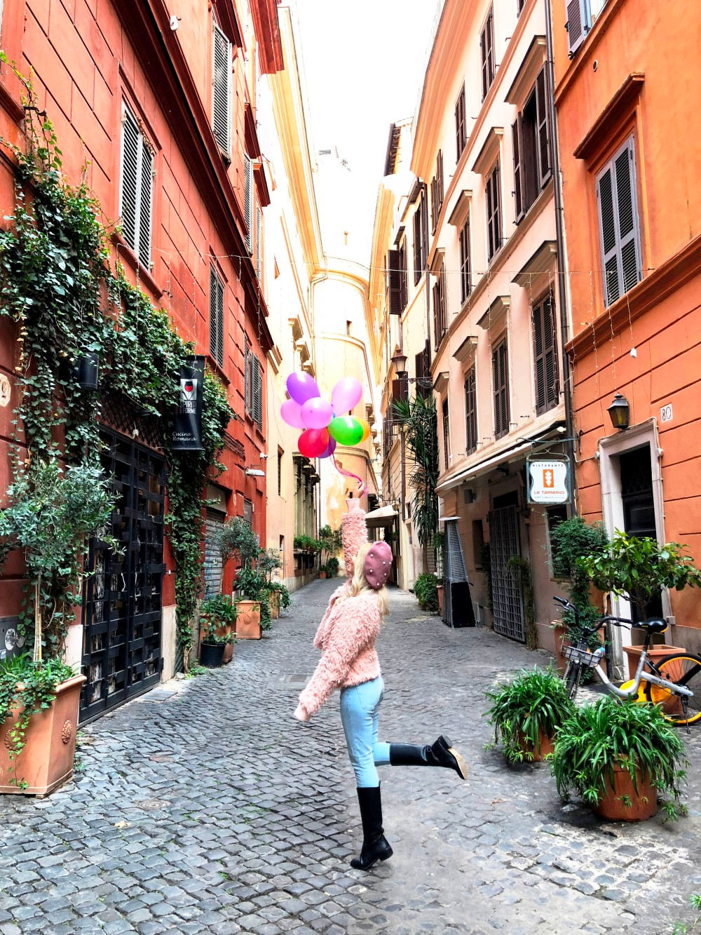 rome_streets_balloons